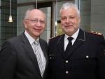 Präsident des Deutschen Feuerwehrverbandes Hans-Peter Kröger (re.) und Peter Götz