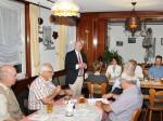 """""""Wir brauchen Europa"""", sagte Peter Götz bei der Diskussion in Hilpertsau."""