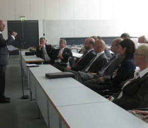Peter Götz im Gespräch mit dem Verwaltungsrat