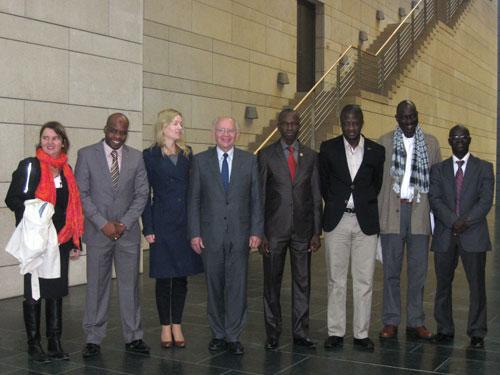 Peter Götz mit einer Delegation des senegalesischen Dezentralisierungsministeriums