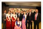 Peter Götz zusammen mit dem Hügelsheimer Bürgermeister Reiner Dehmelt (2.v.links), Landrat, Bürgermeistern und Landtag