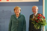 Dr. Angela Merkel und KPV-Bundesvorsitzender Peter Götz beim Kongress-kommunal 2013 in Berlin (© KPV)