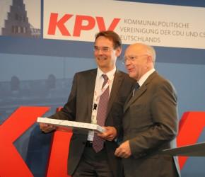 Der neue Bundesvorsitzende der KPV ist gewähl. Ingbert Liebing übernimmt das Amt von Peter Götz, der nicht mehr zur Wahl antreten wollte. (© KPV)